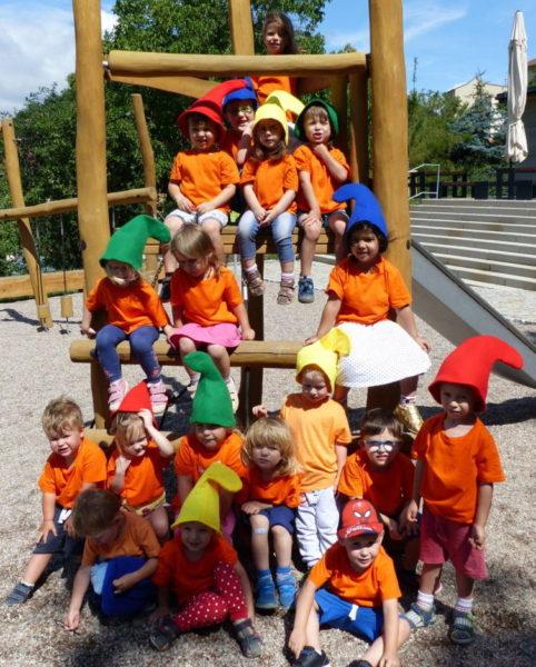 Jezírko - skřítci v parku